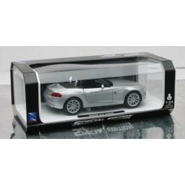 1:24 BMW Z4 - POŠKODOVANA EMBALAŽA!